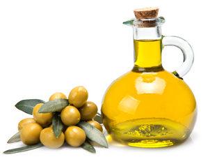 оливковое масло и оливки
