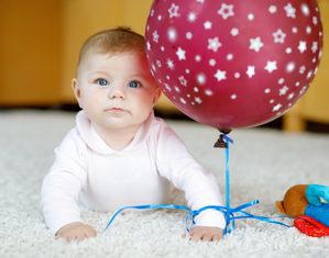 Развитие ребенка в 6 месяцев – что должен уметь малыш в полгода