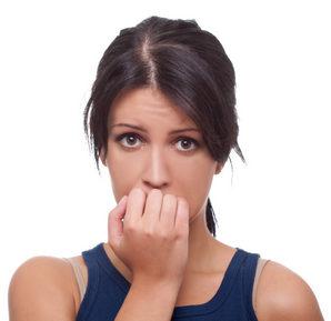 женщина расстроена
