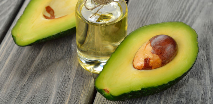 фрукт авокадо и масло