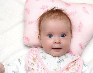 Когда ребенку нужна подушка для сна