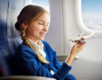 девочка в самолете