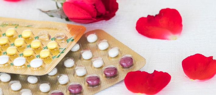 Оральные контрацептивы и лепестки роз
