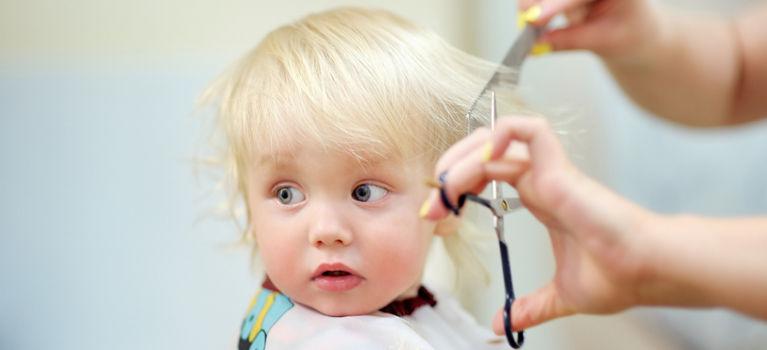 стрижка ребенка ножницами