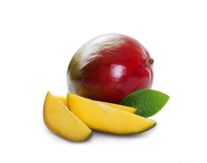 манго свежий с листочком и дольками