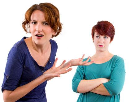 женщины спорят