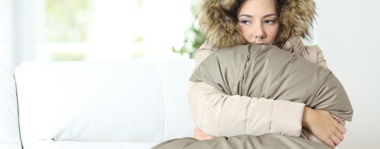 замерзшая женщина
