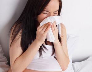 Беременная чихает